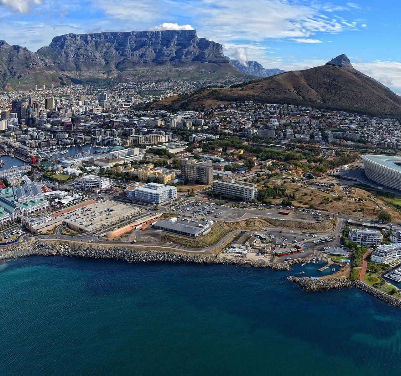 https://bluegeckotouring.com/wp-content/uploads/2019/10/Cape-Town-1280x1200.jpg